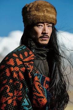 a mix of old and new tibetan style