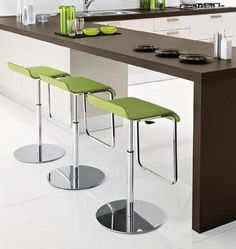 The Domitalia Cool-SG stool is perfect for breakfast bars with its fantastic design and height adjustable frame making it very practical.