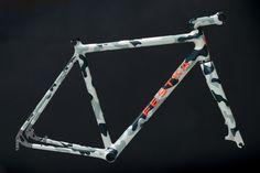 Festka-ONE-Gravel-custom-carbon_frameset_studio_photo-by-Jan-Krofta_04