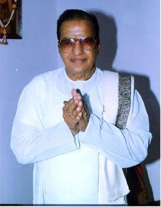 Remembering NTR on His Birthday New Movie Images, New Images Hd, Rare Images, Rare Photos, N T Rama Rao, Telugu Desam Party, Hanuman Photos, Telugu Hero, Lord Hanuman Wallpapers