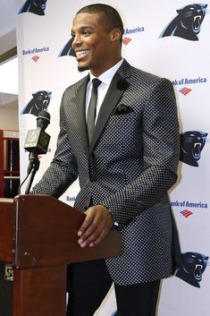 Cam Newton andt hat smile though Sharp Dressed Man, Well Dressed Men, Cam Newton Outfit, Dark Man, American Football Players, Black Football Players, Carolina Pride, Carolina Panthers Football, Football Love