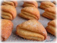A něco malinkatého pro mlsné papulky... :D :D :D Jen lehce nasládlé, takže ten, kdo má rád hodně sladké pečivo, přidá si raději trochu cukru také do těsta. Těsto je z tvarohu, je vláčné a pracuje se s ním skvěle. Doporučuji vyzkoušet. Rychlý recept pro šikovné hospodyňky :) Autor: Danka Small Desserts, Low Carb Desserts, Sweet Desserts, Sweet Recipes, Good Food, Yummy Food, Finger Food Appetizers, Low Carb Bread, Low Carb Breakfast