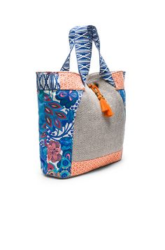 Maaji Beach Bag en Orange & Navy Multi | REVOLVE