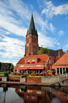 Papenburg (Niedersachsen)    (Quelle: Flickr / karaokeefe)