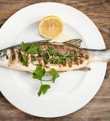 Day-Off Diet Whole Roasted Branzino: This low-cal fish recipe is a great protein option for lunch or dinner. Nordic Diet, Easy Fish Recipes, Fatty Fish, Metabolic Diet, Sea Bass, Low Carb Diet, Lunches And Dinners, Meal Planning, Healthy Eating