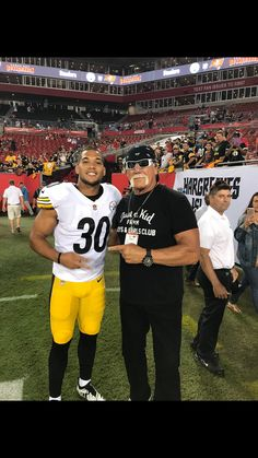 Hulk Hogan on – Daily Sports News Football Run, Pittsburgh Steelers Football, Pittsburgh Sports, Best Football Team, Football Pics, Pittsburgh Pirates, Dallas Cowboys, Pitsburgh Steelers, Steelers Stuff