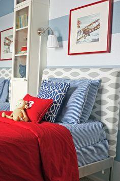 iheartboyssharedroom3. An awesome tall shelf b/w the two beds.