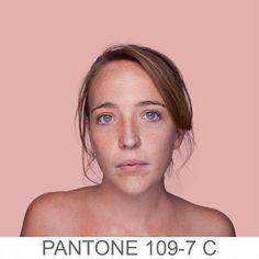 Humanae PANTONE 109-7 C