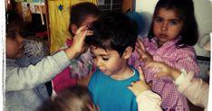 Los masajes son excelentes herramientas para el desarrollo de la empatía . Supone compartir los sentimientos de otra persona, compren... Mindfulness, Face, Yoga, Toddler Yoga, Rain Shower Heads, Tools, Feelings, Games, Faces