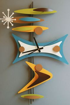Retro - Clock - Clashing colours - Bright colours - Interior design