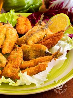 Fried sardines in glazed beer batter Beer Batter, Calamari, Slow Food, Frittata, Bruschetta, Seafood, Food And Drink, Healthy Recipes, Baking