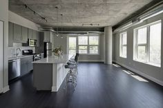 Located In Chicago S South Loop These Printer Row Loft Apartments Are The Luxury Rentals High End Downtown Renters Have Been Waiting For
