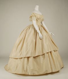 1858-1859 American Wedding Dress; silk (side view)