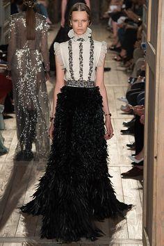 Desfile semana de moda em Paris - Gola alta