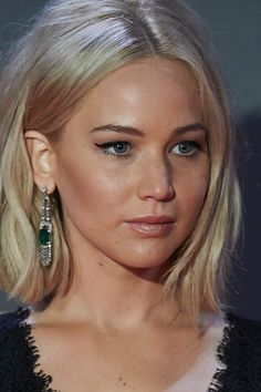 Jennifer Lawrence's bob haircut has seen different and beautiful transformations last week as the star attended world premiers to The Hunger Games: Mockingjay Part 2.