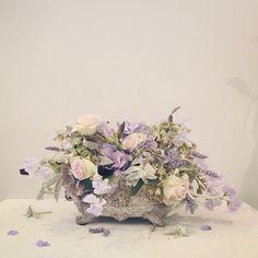 Flower centrepiece Marie-Antoinette style. Catherine Muller Flower School in London and Paris