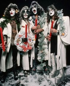 🌺🌻✿❀❁ For more great pins go to Best Rock Bands, Cool Bands, Kiss World, Merry Kissmas, Vinnie Vincent, Christmas Kiss, Eric Carr, Peter Criss, Kiss Pictures