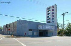 Sunset movie theater in Lodi
