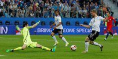 Alemania derrota a Chile y sigue siendo la referencia Mundial | Deportes | EL PAÍS http://deportes.elpais.com/deportes/2017/07/02/actualidad/1499010036_340817.html#?ref=rss&format=simple&link=link