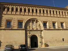 Medieval castle 12th century - Parador de Alcaniz hotel...spend 1 night (www.parador.es)