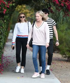 cdff122a7615 Chloe Moretz with her mom and Brooklyn Beckham out in LA