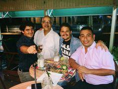 El equipo Salserisimo del Perú con Reynaldo Jorge, en el Dia de la Salsa.