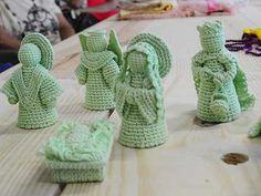 Christmas Holidays, Christmas Crafts, Christmas Decorations, Crochet Christmas, Crochet Dolls, Knit Crochet, Holy Night, Nativity, Baby Shoes