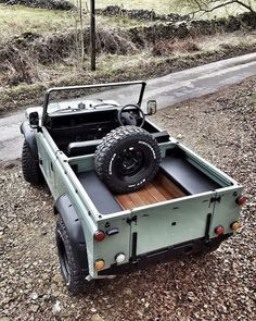 Land Rover 88, Land Rover Models, Land Rover Series 3, Land Rover Defender, 4x4 Trucks, Cool Trucks, Land Rover Discovery 2, Beach Cars, Offroader