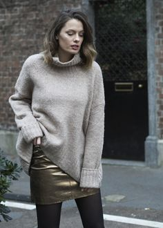 Beating off the chill with this huge slouchy @hm jumper http://www.georgietoms.com/slouching-in-metallics/