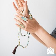 Reasons to use mala beads for meditation  1. Calm the body, mind & spirit from distraction 2. Enlighten psyche & work as the gateway to our inner selves 3. Improve attention during meditation practice
