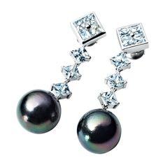 RenéSim Earrings with Diamonds and Tahiti Pearls