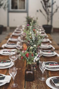 Bring a striking woodland look to your rustic holiday table with natural forest accents and tableware from Indeed Decor, curators of unique home decor. Wedding Decor, Wedding Table, Fall Wedding, Beautiful Table Settings, Festa Party, Partys, Deco Table, Decoration Table, Tablescapes