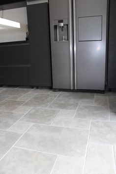Best Ideas For Kitchen Floor Travertine Kitchen Tiles, Kitchen Flooring, Stone Kitchen Floor, Acid Stained Concrete, Travertine Floors, Hallway Designs, Style Tile, Cabinet Styles, Floor Design