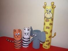 zoo animal toilet paper roll crafts for kids. A fun idea for your child this summer! Bee Crafts For Kids, Animal Crafts For Kids, Toddler Crafts, Projects For Kids, Diy For Kids, Fun Crafts, Arts And Crafts, Safari Animal Crafts, Giraffe Crafts