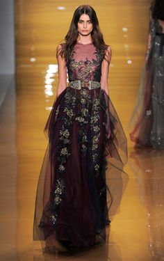 Reem Acra Fall/Winter 2015 burgundy tulle frilled gown