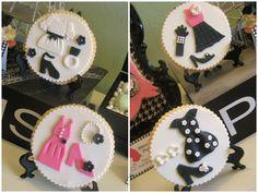 Lynlee's Petite Cakes: Miss Piggy in Paris! cupcak topper, cakes, cake inspir, fashion cupcak, parisfashion theme, cupcak design, sweet cupcak, cake cooki, fashion cookiespari