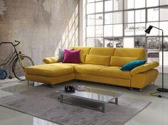 Canapé d'angle convertible en tissu jaune moutarde DOMIZIO, avec coffre de rangement - HcommeHome