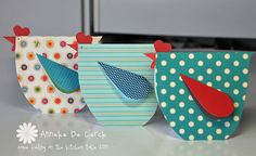 Some fiddling on the kitchen table: Chicken Cards. These are cute cards based on the pattern I've Pinned Chicken Crafts, Shaped Cards, Bird Cards, Animal Cards, Card Tags, Cute Cards, Mom Cards, Greeting Cards Handmade, Scrapbook Cards