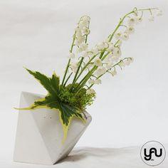 LACRAMIOARE in suporti YaU geometrici YaUconcept ElenaTOADER Plantar, Floral Design, Vase, Home Decor, Flower Arrangements, Decoration Home, Room Decor, Floral Patterns, Vases