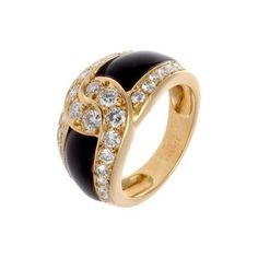 Van Cleef & Arpels Onyx Diamond Gold Ring by   Van Cleef & Arpels