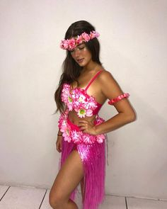 Mermaid @ d. Hawaiian Girl Costume, Hula Girl Costume, Hawaiian Party Outfit, Hawaiian Girls, Diy Girls Costumes, Halloween Costumes For Girls, Halloween Cosplay, Luau Outfits, Themed Outfits