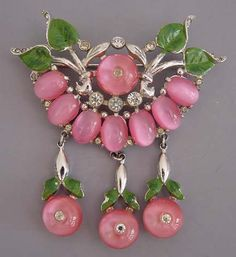 PINK GLASS CABACHONS BROOCH BY CORO