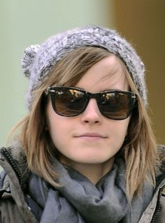 Emma Watson with - Posted on January 2013 Hermione Granger, Harry Potter Hermione, Emma Watson Beautiful, Beautiful Person, Emma Watson Fan, Hannah Hart, English Actresses, Celebs, Celebrities