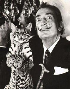 Nós do Mistura Urbana, e eu particularmente sou apaixonada pela arte surrealista de Salvador Dalí. Se você também admira as suas criações, com certeza sabe que está rolando uma exposição no Rio de Janeiro, que traz cerca de 150 trabalhos do artista, saiba mais aqui. Em outubro a mostra chega em São Paulo. Dalí foi [...]