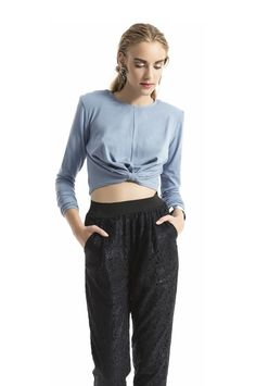 Belly Top Light Blue Belly Top, Jean Top, New Fashion Trends, Online Fashion Stores, Handmade Clothes, World Of Fashion, Casual Shoes, Harem Pants, Light Blue