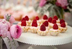 Wiosenny słodki bufet