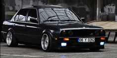 BMW E30 3 series black deep dish stance