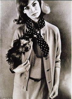 画像 : 60年代ミニスカートブームの本当の火付け役/ジーン・シュリンプトン - NAVER まとめ