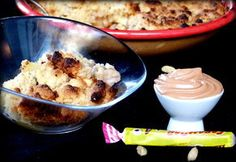 Crumble pommes, banane, cardamome et chantilly de carambar Le Diner, Cereal, Pudding, Baking, Breakfast, Desserts, Table, Apples, Sweet Recipes
