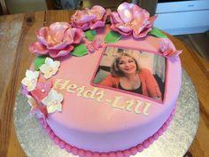 Bursdagskake til meg selv. Birthday Cake, Desserts, Food, Tailgate Desserts, Birthday Cakes, Deserts, Eten, Postres, Dessert
